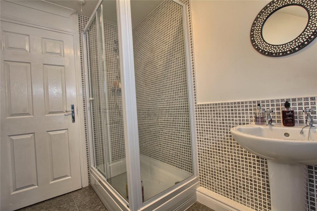 Shower Room En Suite