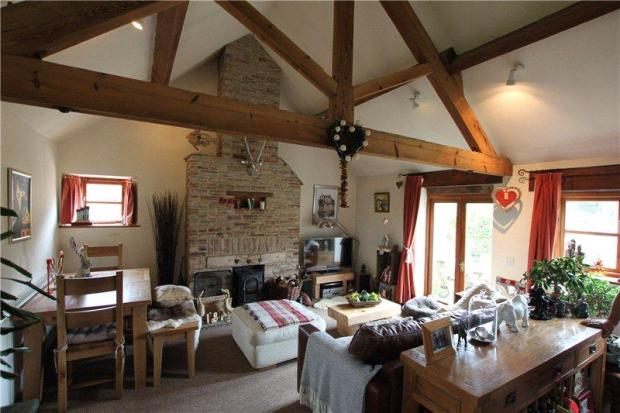2 Bedroom Barn Conversion To Rent In Thingley Corsham