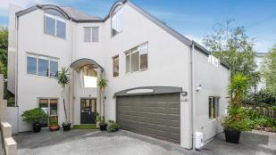 4 bedroom home for sale in Auckland, Auckland