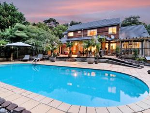 5 bedroom property in Oratia, Auckland