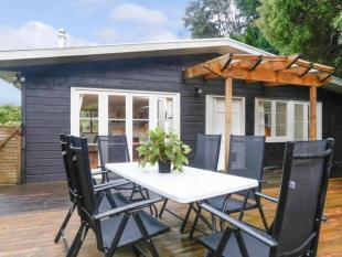 3 bed house for sale in Titirangi, Auckland