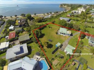 3 bedroom house for sale in Matakatia, Auckland