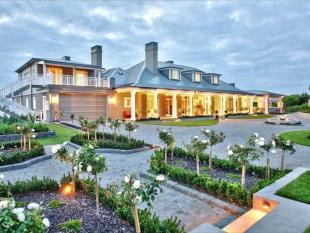 6 bedroom house for sale in Church Bay, Auckland