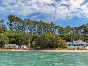5 bed home in Cowes Bay, Auckland