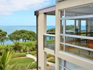 4 bedroom home in Gulf Harbour, Auckland