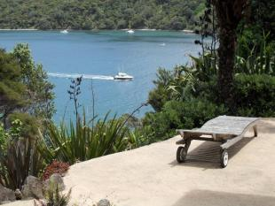 3 bed home in Great Barrier Island...