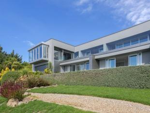 5 bedroom property in Mt Pleasant, Canterbury