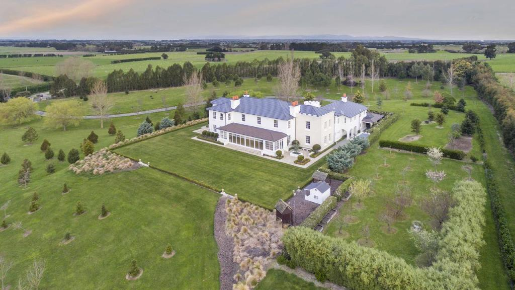 6 bedroom property for sale in Canterbury