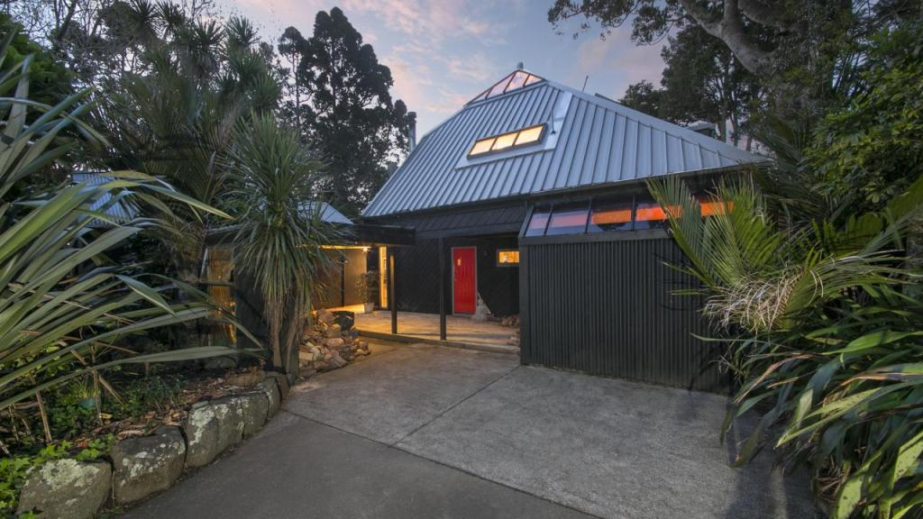3 bed house for sale in Auckland