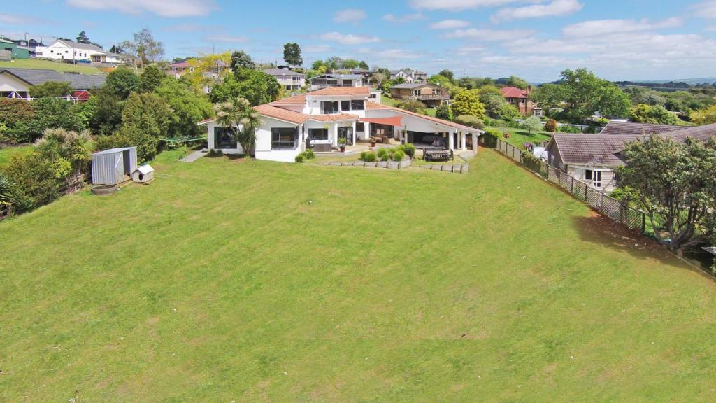 5 bed house for sale in Auckland