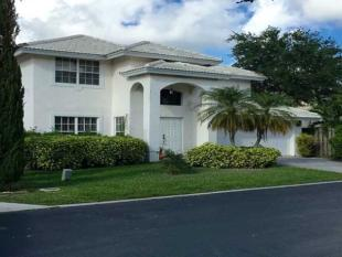 4 bed property for sale in USA - Florida...