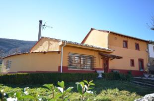 Buiza Country House for sale