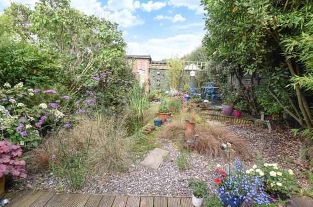1 larmorna gardens