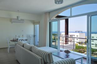Penthouse for sale in Bahceli, Kyrenia...