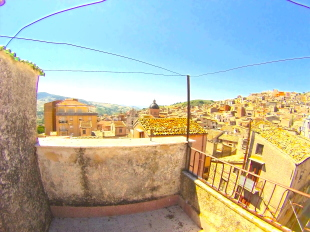 4 bedroom Detached home for sale in Sicily, Palermo...