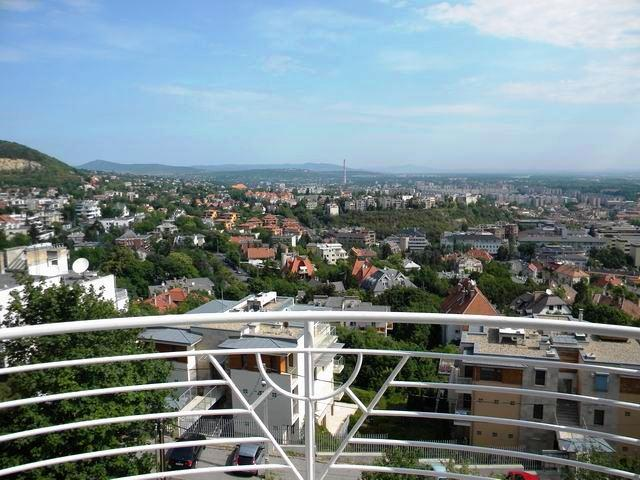 3 bed Apartment in District Ii, Budapest