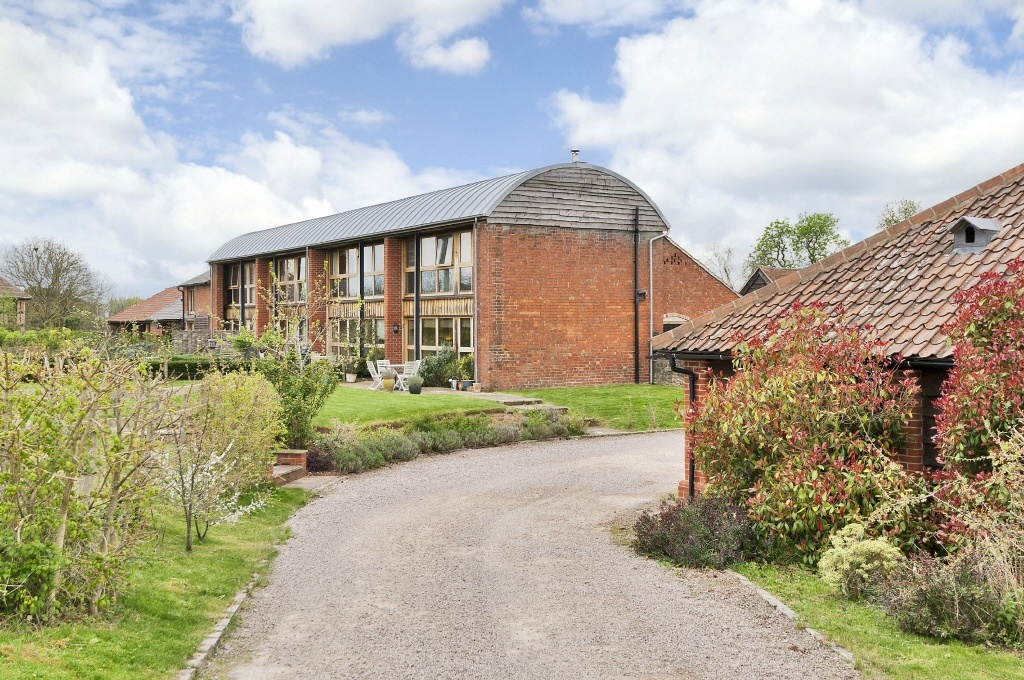 3 Bedroom Barn Conversion For Sale In Eastnor View Dymock