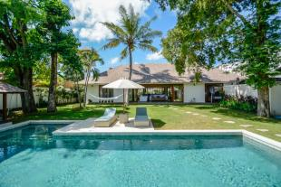 Villa for sale in Kerobokan, Bali