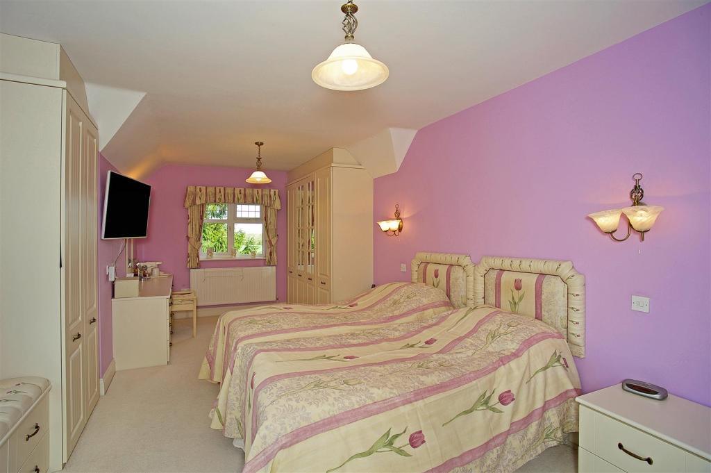 Easton House 164258