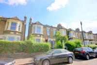 Maisonette in Morley Road, London, E10