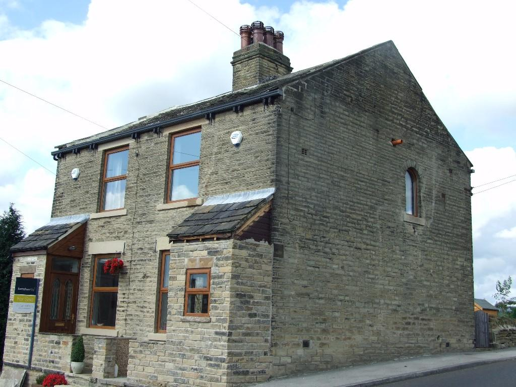 2 bedroom terraced house to rent                    102 Peep Green Road,Liversedge,WF15