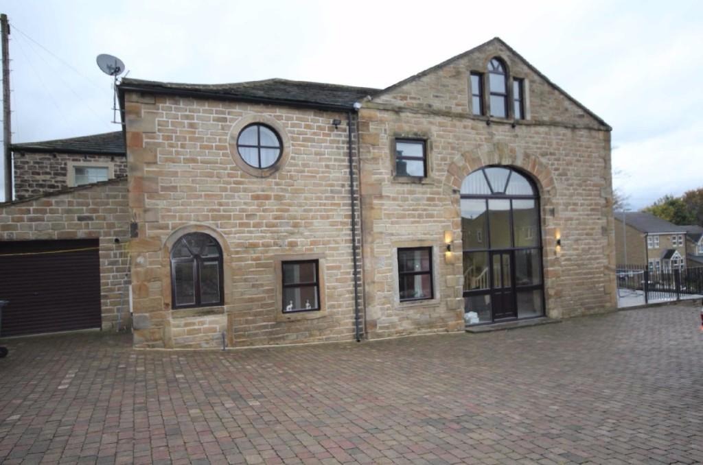 4 bedroom barn conversion to rent The Barn, Knowles Lane, BD19