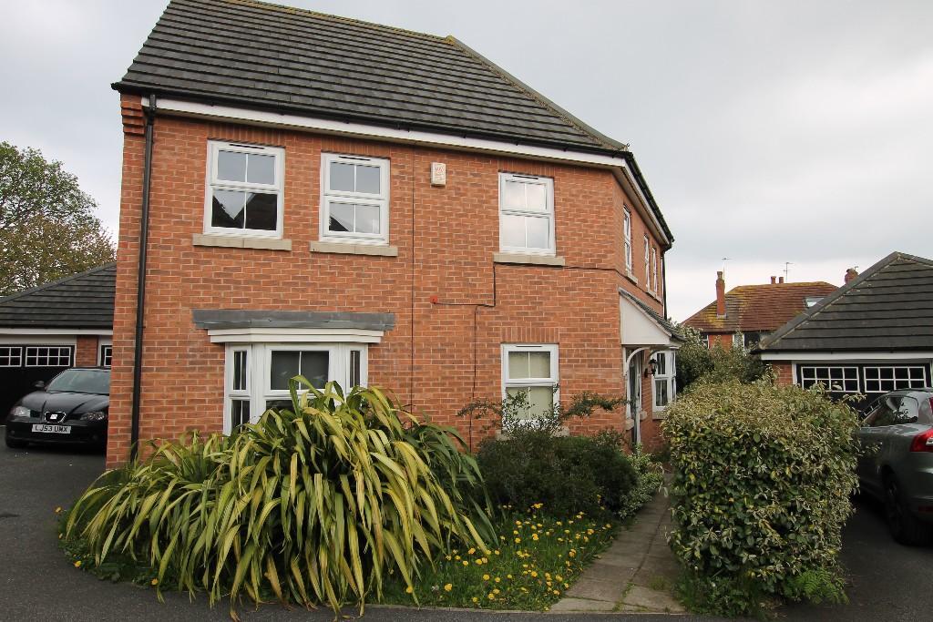 4 bedroom detached house to rent                    18 Chandos Mews, Leeds, LS8