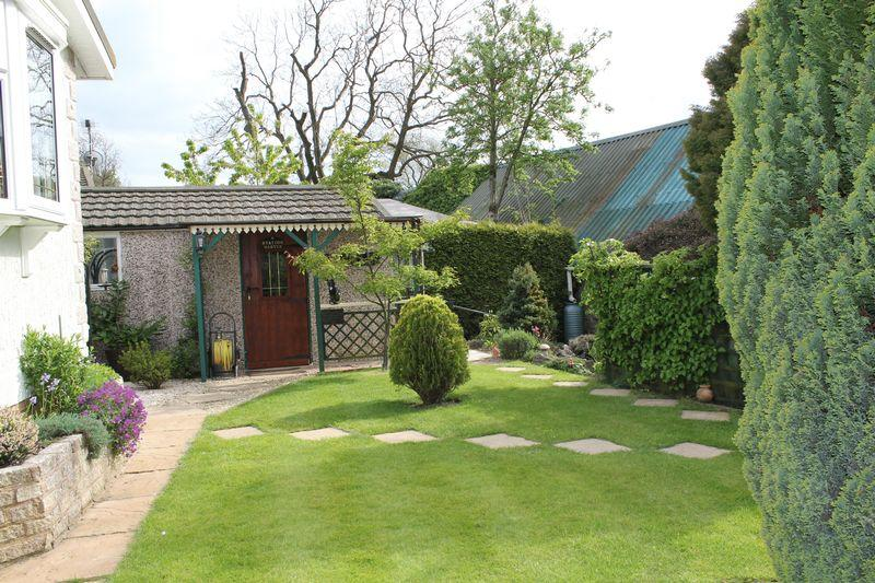 Rear garden wi...