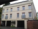 2 bedroom Flat to rent in Chapel Court...