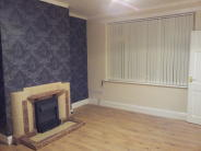 End of Terrace house to rent in Sidney Street, Oldham...