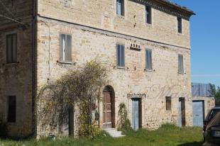 Country House in Italy - Le Marche...