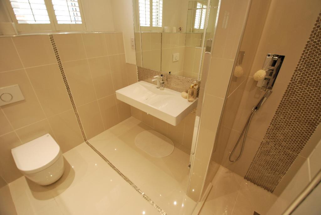Luxurious Shower Room