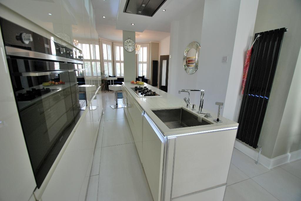 Stunning Integrated Kitchen