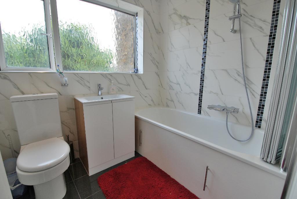 Luxurious Family Bathroom