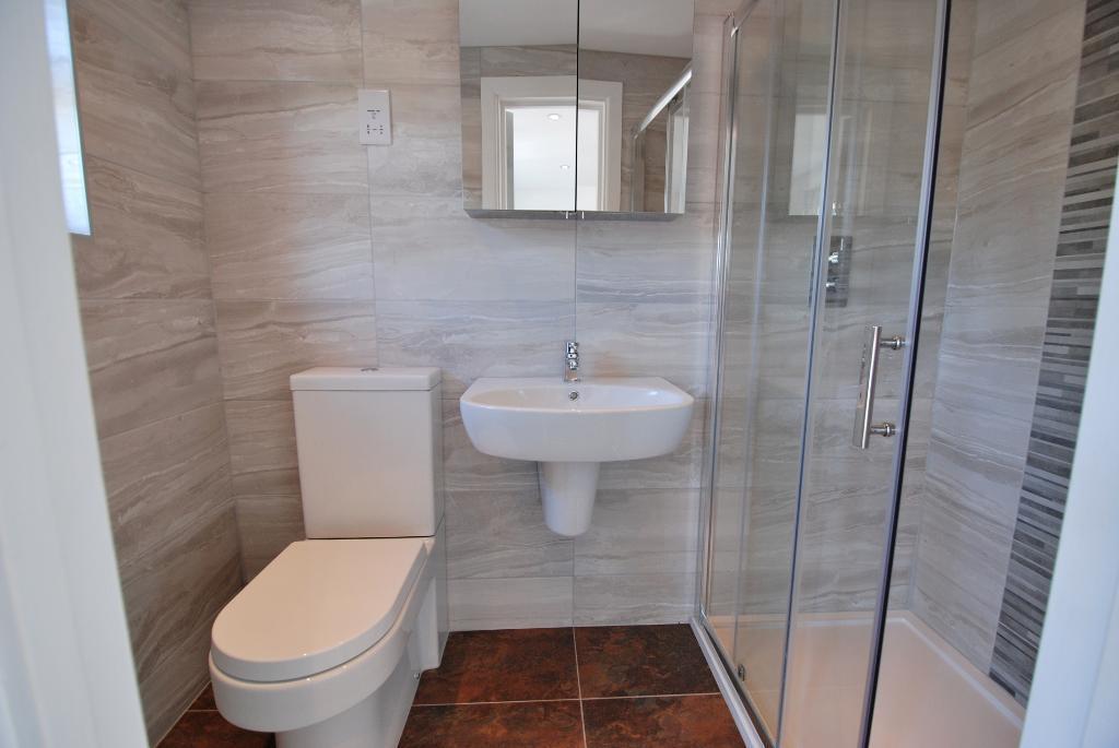 Stylish En-Suite Shower Room