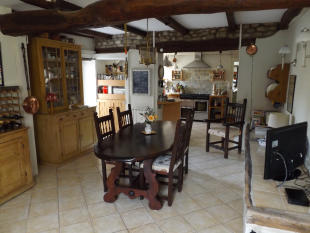 4 bed Detached house for sale in Quincerot, Yonne...