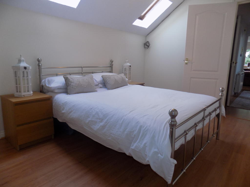 ADDITIONAL PHOTO OF BEDROOM 2