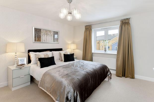 Good- sized bedroom