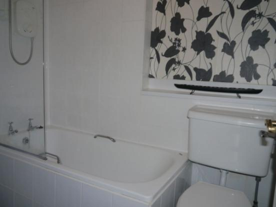 664_Bathroom.jpg