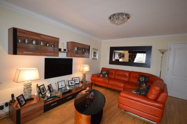 819_Lounge 3.jpg