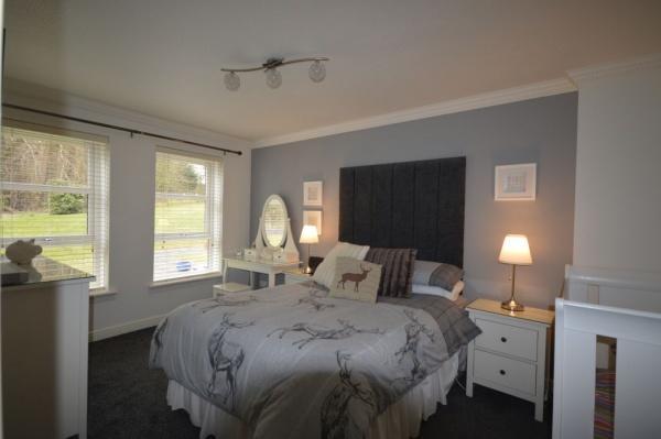 819_Bedroom 2.jpg