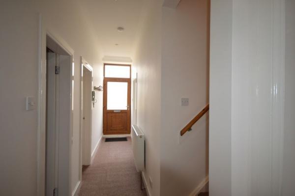 827_Hallway 1.jpg