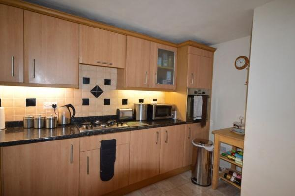 835_Kitchen 1.jpg