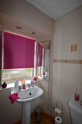 835_bathroom.jpg