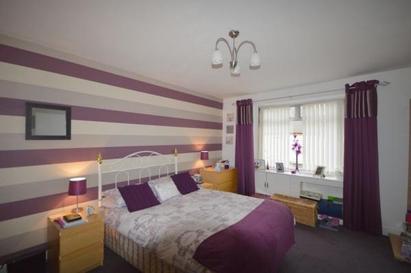 835_Bedroom.jpg