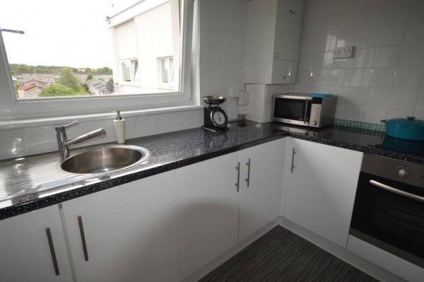 844_Kitchen 2.jpg