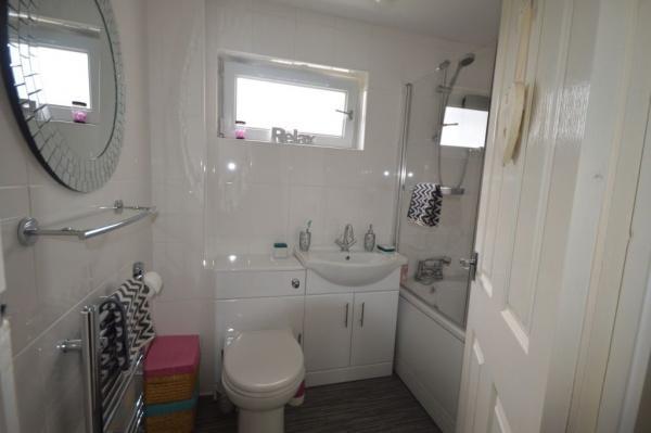 844_Bathroom.jpg