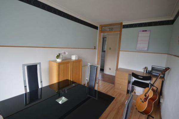 851_Dining room 4.jpg