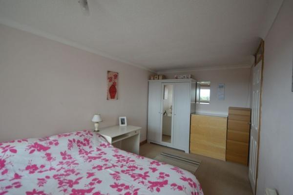 851_Bedroom 1a.jpg