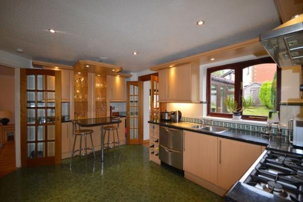 907_Kitchen 1.jpg